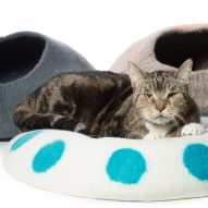 Kittikubbi Twin Critters Cat Cave Bed Review | Dr. Justine Lee